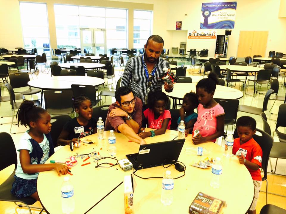 West End Cincinnati kids learning robotics @ Taft IT High School (August 11-12, 2016)