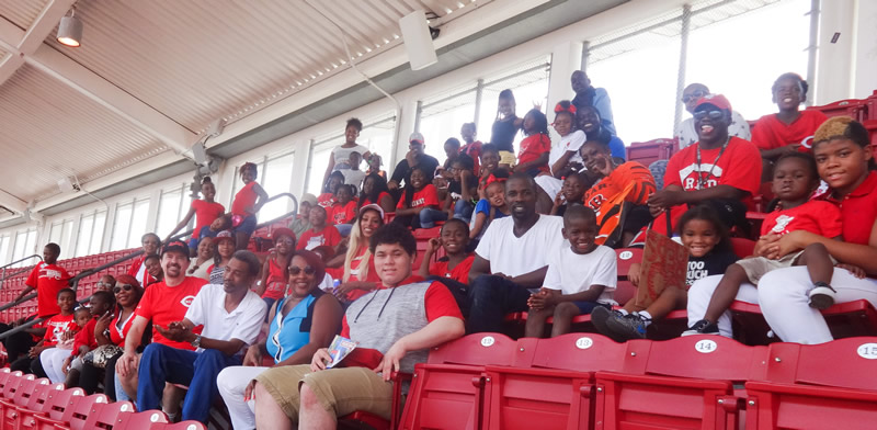 Hays-Porter Students & Parents at Reds Game