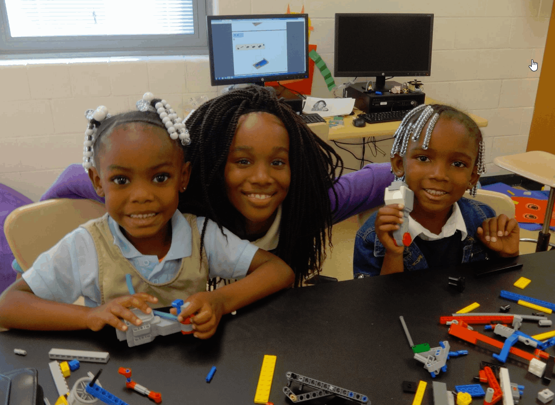 Preschoolers learning how to build Robots