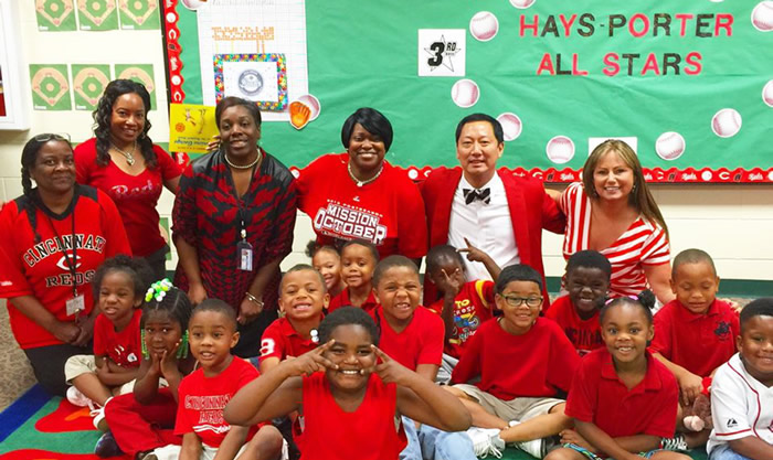 UC President Santa Ono visits Hays-Porter Elementary to read for the kids